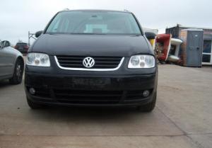 VW Touran 1.6 FSI 6 ск.